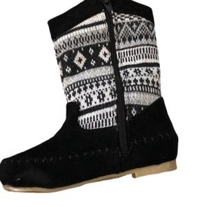 Black and White Knit and Faux suede boot